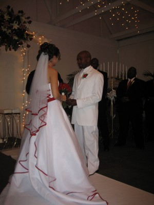 Christine and Ricardo exchanging vows